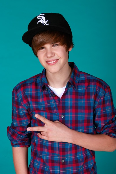 Justin is a good young stare for yonge kids to look up to not saying i do just he is good fo kids  thats why i admire him