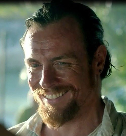 Toby Stephens & that sexy smile!