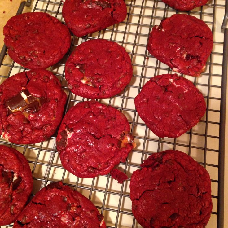 ... http://picky-palate.com/2013/02/04/red-velvet-milky-way-cake-cookies