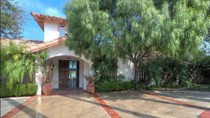 L'acteur américain Sean Penn, oscarisé pour ses rôles dans Harvey Milk et Mystic River a décidé de mettre en vente sa superbe maison californienne ...