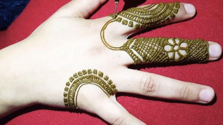 نقش صحراوي راقي وسهل التطبيق لمحبات الحناء Henna Hand Tattoo Hand Tattoos Hand Henna