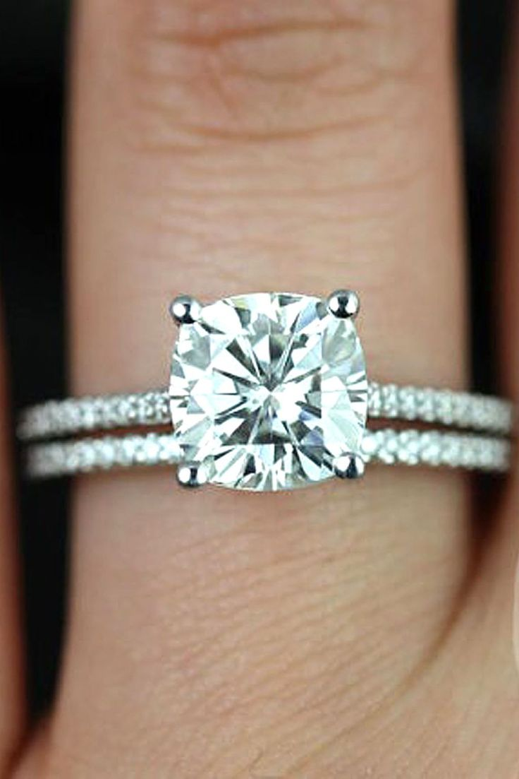 cool 62 Stunning and Simple Engagement Rings That Every Women Wants https://viscawedding.com/2017/06/12/62-stunning-simple-engagement-rings-every-women-wants/