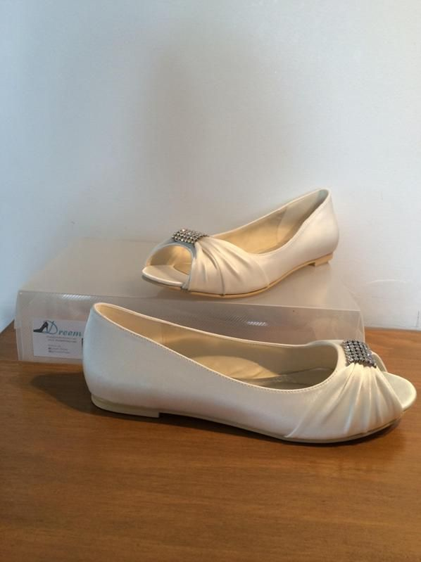 Made to order model 32 Shown in Ivory satin flat heel Size 3-11 $99 (with free postage) THESE ARE PART OF OUR CUSTOM ORDER RANGE- 26 COLOUR & FABRIC COMBINATIONS WITH 7 HEEL HEIGHTS www.dreemshoes.com