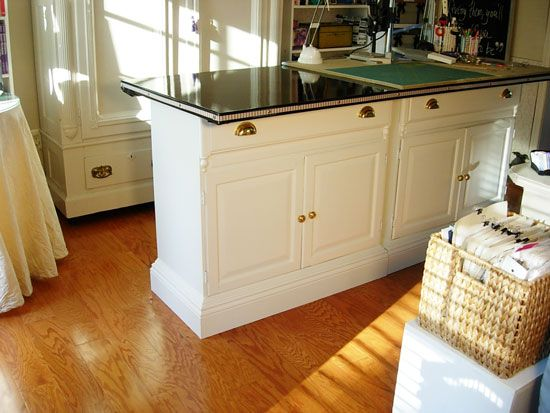 Work table made from two cabinets and a doorWork Tables, Studios Offices, Diy Crafts, Crafts Spaces, Crafts Room, Crafts Tables, End Tables, Craft Tables, Craft Rooms