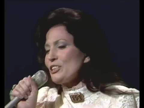 Loretta Lynn   Patsy Cline Medley - YouTube