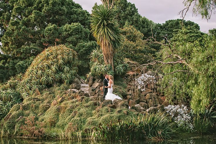 Bridal Portraits / Werribee Mansion by Cam Grove