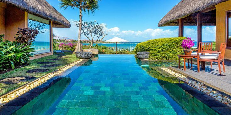 Vacanta de lux in Mauritius, Oceanul Indian Contactati-ne pentru mai multe detalii si personalizarea vacantei Dvs.! #vacantadelux #traveltoMauritius http://bit.ly/2unUlaj