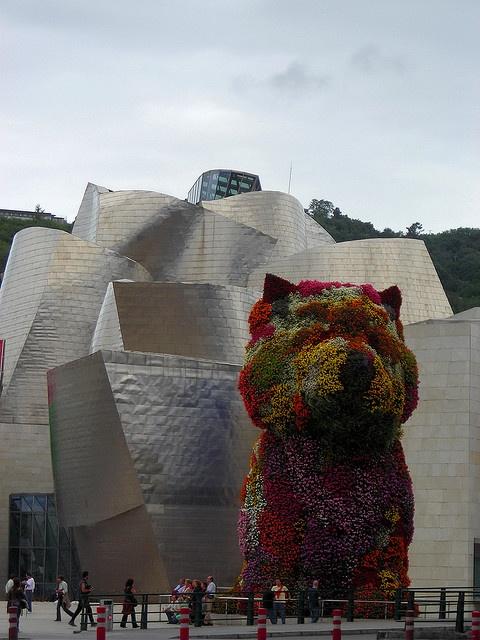 Basque Country, Bizkaia, Bilbao, Puppy at Guggenheim Museum
