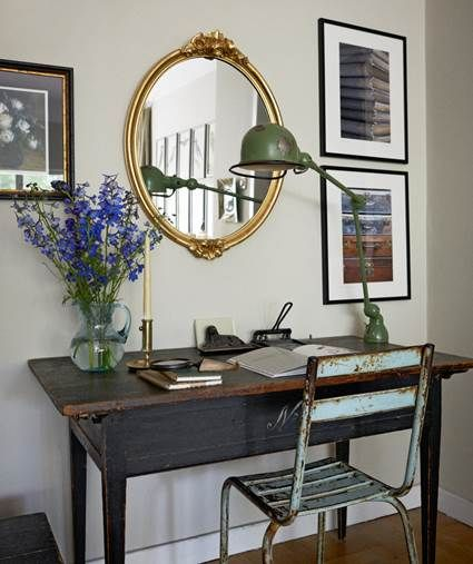 Charming Desk Ideas For Small Spaces 2
