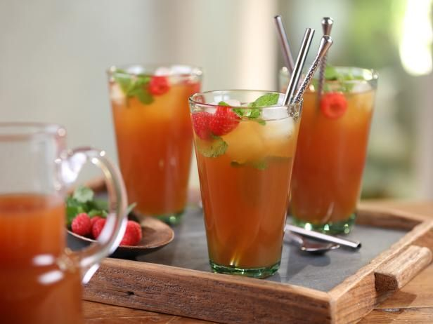 Get Bobby Flay's Ginger-Peach Ice Tea Recipe from Cooking Channel