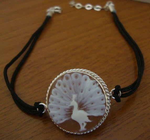 Peackock - bracelet with handmade cameo and silver