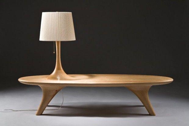 Designer coréen, Kwon Jae Min a créé cette série de meubles en bois incluant un banc, un porte-manteau, deux luminaires et une chaise. Jusqu'ici rien d'inhabituel, mais lorsque l'on observe ses réalisations, on comprend mieux sa réflexion. Il traite le bois comme s'il était encore vivant et que des excroissances poussées, des branches qui se transformeraient en porte-manteau, en lampe… Il aborde la matière et l'objet comme des êtres vivants, des êtres qui évoluent.