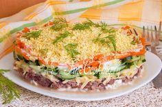 Слоеный салат с тунцом - рецепт с фото