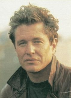 Tom Berenger -- one of my top 3 favorite actors of all time ... love his movies!