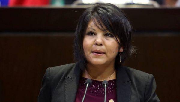 Baru Menjabat Sehari Walikota Ini Tewas Dibunuh : Nahas benar nasib Gisela Mota. Baru sehari menjabat sebagai Walikota Temixco Meksiko Gisela tewas setelah rumahnya diserang oleh empat orang bersenjata Sabtu (2/12/2