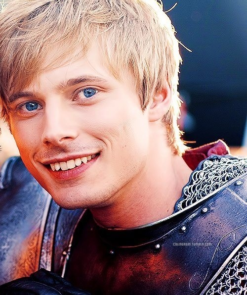 bradley james smile - photo #29