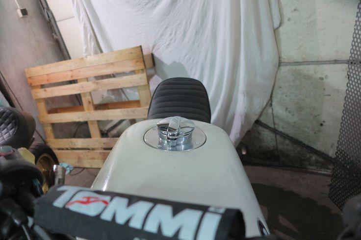#k75 #fuel tank cap #monza style