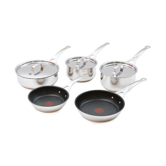 Definitely need some new pots and pans for our kitchen and love the quality of Jamie Oliver kitchen goods. #OFHNZ