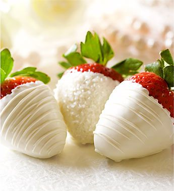 Hand-dipped Strawberries ~ beautiful idea for Christmas or Valentines Day