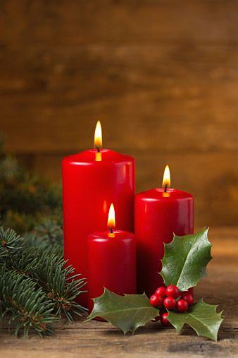 クリスマスツリー・プレゼント・ケーキ・ごちそう…クリスマスまでに用意したいものはいっぱいですが、今年はテーブルコーディネートまでクリスマス仕様にしてみませんか?ちょっとしたアイテムをプラスするだけで、一気に華やかに演出してくれます。定番のクリスマスディナーも、大変身!メニューと合わせて準備してみませんか?