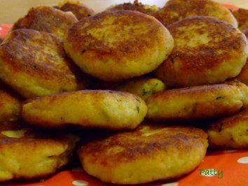 Mit Mozzarella gefüllte Kartoffel-Kräuter-Taler - Rezept