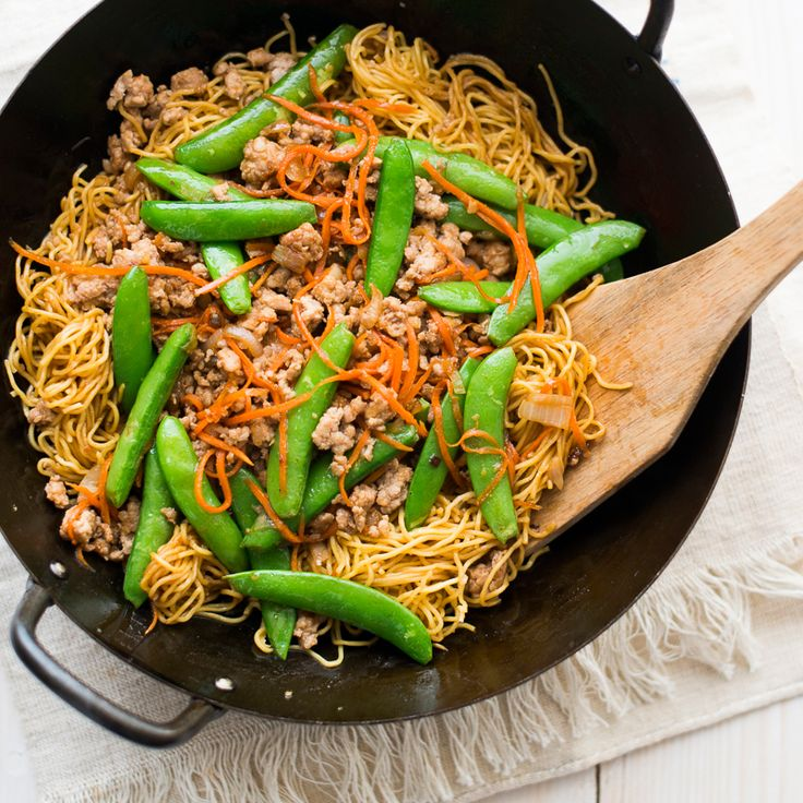 This easy Chinese noodle recipe gets a burst of flavor from gingery pork and sweet sugar snap peas.