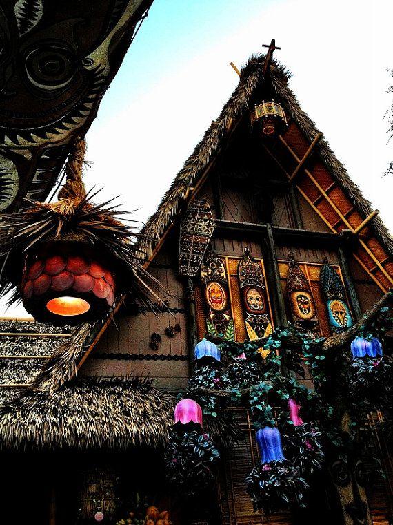 Tiki Room photographier Enchanted Tiki Room Disneyland par RayeLani, $30.00