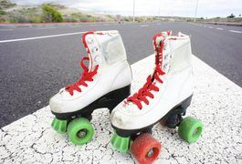 Basic roller skates became more and more sophisticated late in the 20th century when two hockey players created a modern version by using hockey boots and upgraded materials. Roller skating now is commonly known as rollerblading or inline skating, and -- as Inline Warehouse explains -- you can do everything from speed skating to trick skating on...