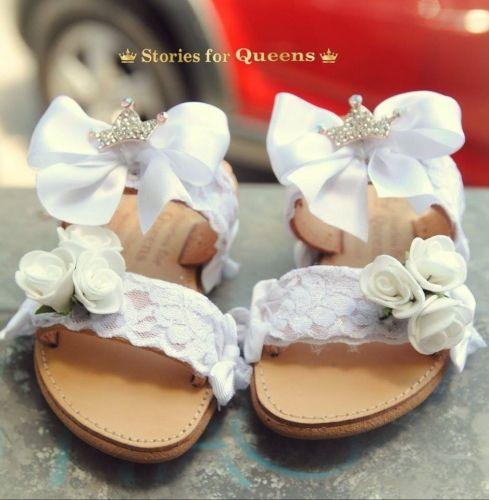 Χειροποίητα παιδικά σανδάλια stories for queens στολισμένα με δαντέλες, λουλούδια και κορώνες.  http://handmadecollectionqueens.com/Παιδικα-σανδαλια-με-δαντελα-και-λουλουδια  #handmade   #kid   #shoes   #summer   #sandals   #footwear   #storiesforqueens