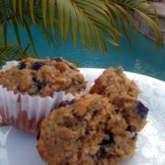 Really Good Low Cal, Low-fat, Healthy Blueberry Oatmeal Muffins (via www.foodily.com/r/4kcwXBn7P)