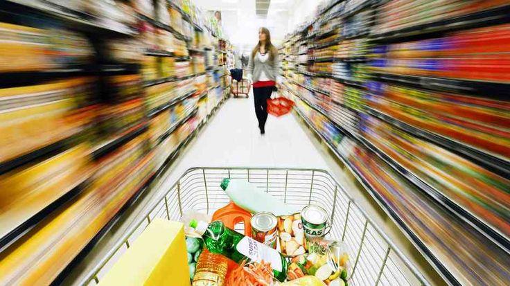 """Trucos que usan para que compremos mas! ¿Sabías que los supermercados y centros comerciales utilizan diferentes """"trucos"""" para que gastes más? Por ejemplo, con la disposición estratégica de ciertos productos. Las técnicas son similares en todo el mundo y son imperceptibles por la mayoría de los clientes."""