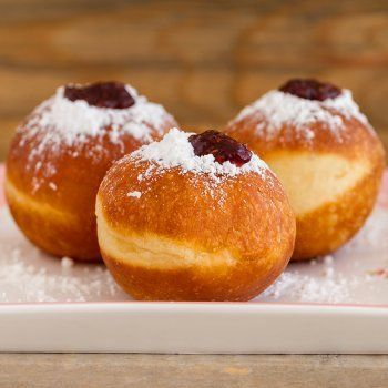 Gluten-Free Sufganiyot - Jelly Donuts for Chanukah Recipe Gluten Free Donuts, Gluten Free Rice, Dairy Free, Beignets, Kosher Recipes, Cooking Recipes, Hanukkah Food, Strawberry Jelly, Donut Recipes