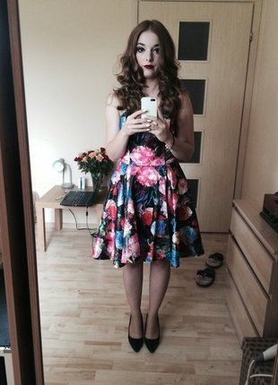 Kup mój przedmiot na #vintedpl http://www.vinted.pl/damska-odziez/krotkie-sukienki/16165633-piekna-sukienka-w-kwiaty-36