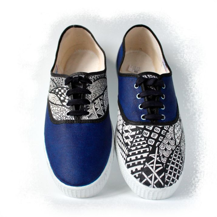 ekeyart: Zapatillas pintadas a mano con zentangles  /  Hand painted canvas shoes with zentangles