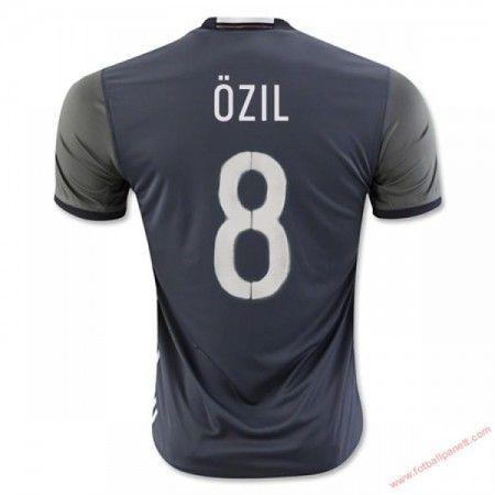 Tyskland 2016 Ozil 8 Bortedrakt Kortermet.  http://www.fotballpanett.com/tyskland-2016-ozil-8-bortedrakt-kortermet-1.  #fotballdrakter