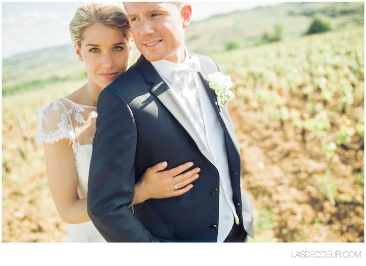 Photo mariage Chateau de Santenay France ©www.lasdecoeur.com - Photo + Cinéma #love #wedding #weddingphotographer #photodecouple #photgraphemariage #lasdecoeurphoto #lovephotography #weddingprep #preparatifmariage #weddingphotography #chateaudeSantenay #Bourgogne #Burgundy #couplephoto