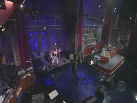 Yeah Yeah Yeahs - Down Boy on Letterman  ~ takes me back ~ L