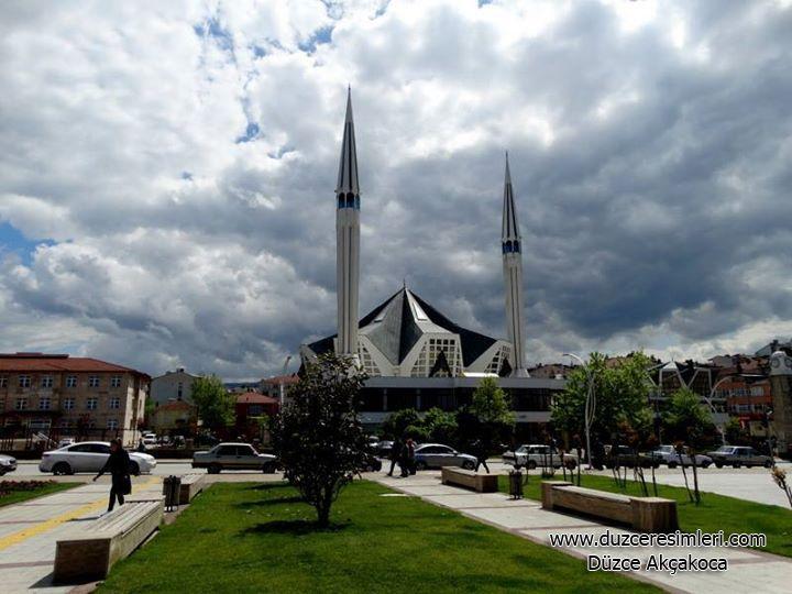 Akçakoca Camii