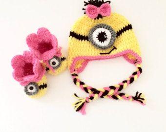 Minion sombrero y zapato set / sombrero de súbdito / zapatos súbdito / súbdito chica / gorrita tejida de la gorrita tejida del bebé / zapatos de bebé / regalo del bebé
