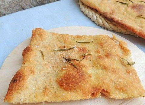 pizza bianca croccante