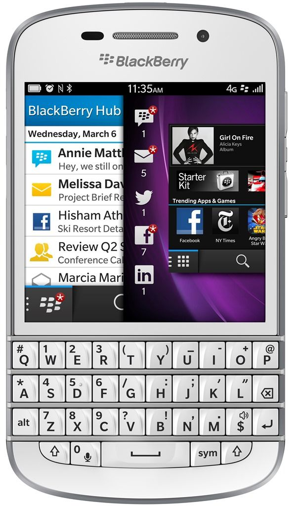 BlackBerry Q10, il primo smartphone BlackBerry 10 con tastiera QWERTY.