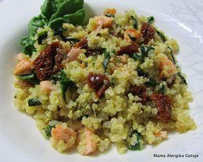 """Wydrukuj przepis Pomysł na szybką i zdrową kolację. Komosa ryżowa w wersji """"włoskiej"""". Tych samych składników używam do przygotowania makaronów. Kto powiedział, że podczas Świąt Bożego Narodzenia nie można zjeść takiego dania? Uważam, że to ciekawy pomysł zarówno na kolację z przyjaciółmi, jak i na przełamanie świątecznej tradycji. Polecam i życzę Smacznego Przepis CZAS PRZYGOTOWANIA: ok. 30 minut TRUDNOŚĆ: ŚREDNIOTRUDNE ILOŚĆ: 2-3 porcje Składniki: 160 g komosy ryżowej, ziarna + 375 ml wody…"""