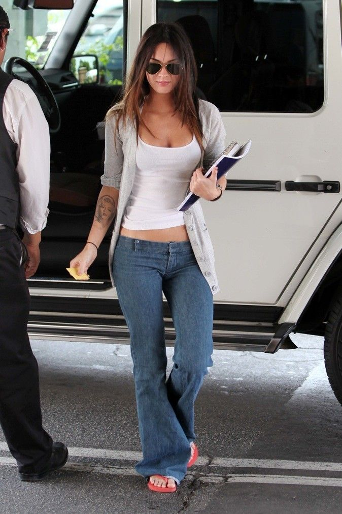 Megan Fox?  i wear sandles out too!  outside house and inside house!  their comfy!  very nice sandles!