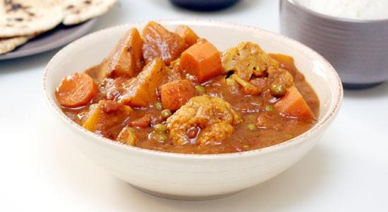 Vegetable Balti Curry Recipe, skip the rice: Energy per 100g:  267kJ - 63Cal  Fat per 100g:  1.6g