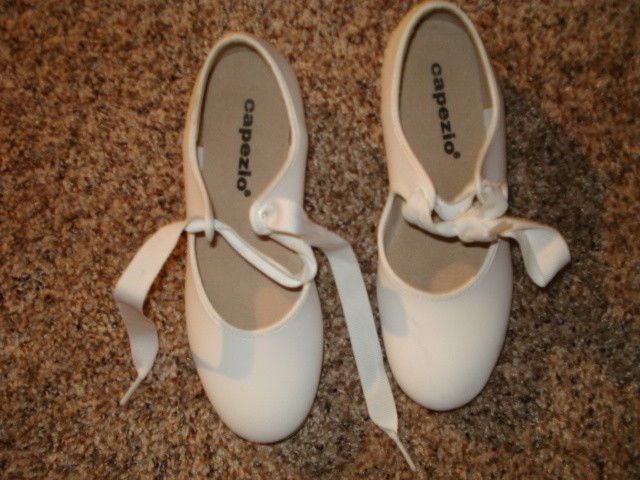 Used Clean Pr Of Little Girls Capezio Tap Dancing Shoes Size 1 M A 2 Fashion Clothing Shoes Accessories Dancewear Dance Tap Dancing Shoes Shoes Capezio
