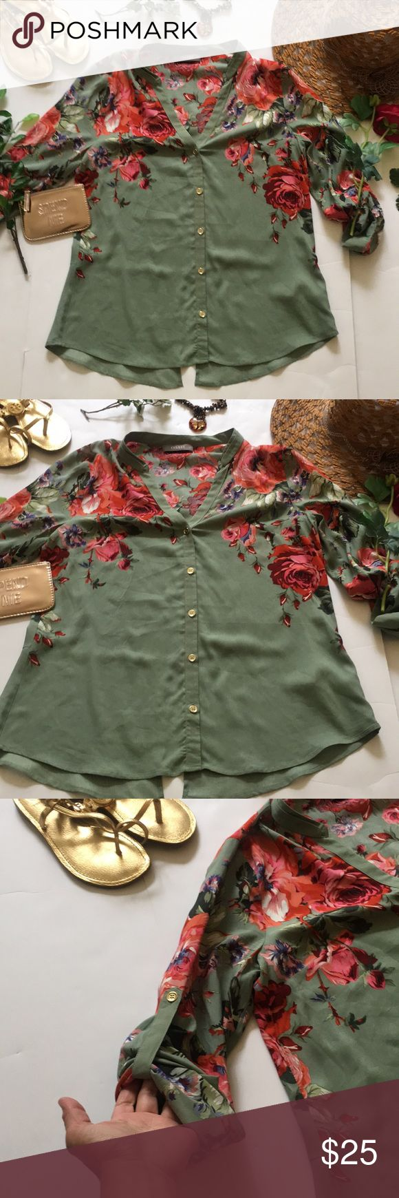 ❤Oasis Top❤ ❤In great used condition Oasis Top in size 12 UK size 8 in US❤Has pretty floral prints on a shade of green❤ Oasis Tops