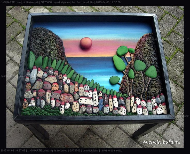 delizioso tavolini da salotto con vetro   Each creation is a unique piece made and hand painted. I often work on commission, on request ...