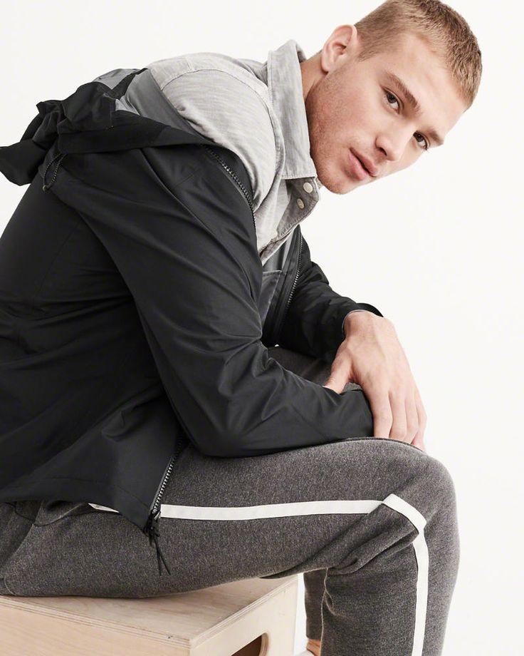 A&F Men's Waterproof Rain Jacket in Black - Size L