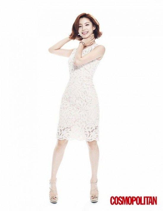Park Soo Jin blooms in latest 'Cosmopolitan' | allkpop.com