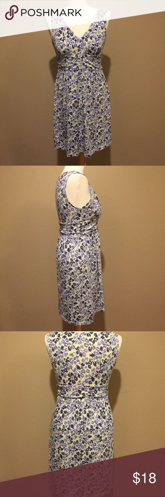 Ann Taylor Loft Sweet and Soft Floral Dress Sweet little dress by Ann Taylor Loft! Perfect for upcoming spring! Great Sunday weekend dress! Soft and stretchy makes this extra comfortable while looking great! Gently used. Very figure flattering! LOFT Dresses